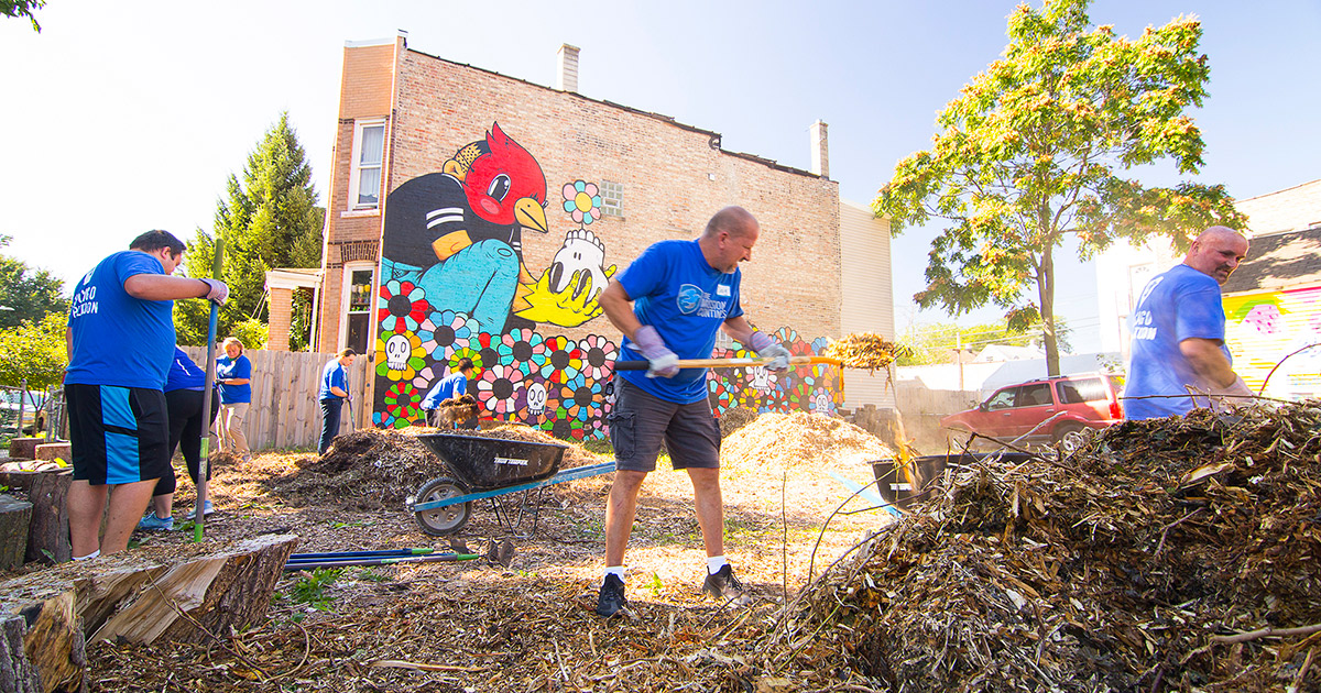 The Mission Continues Volunteer Event Serves Little Village in Chicago